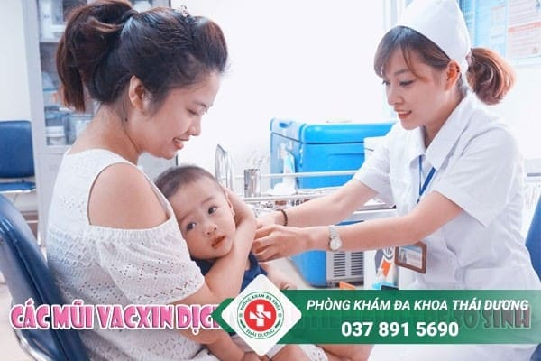 Các mũi vacxin dịch vụ cần tiêm cho trẻ sơ sinh