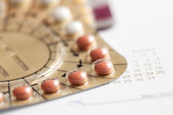 Điều trị suy buồng trứng bằng liệu pháp hormone thay thế