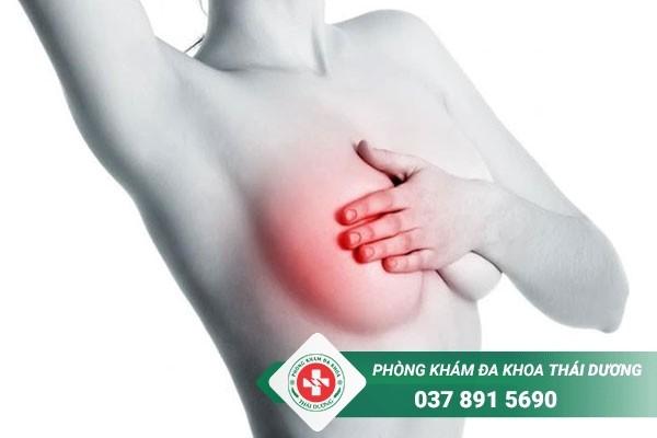 Phát hiện cục cứng ở vú không đau