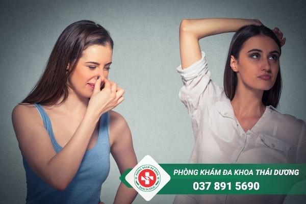 Bệnh hôi nách gây ảnh hưởng đến sinh hoạt, giao tiếp hàng ngày của người bệnh