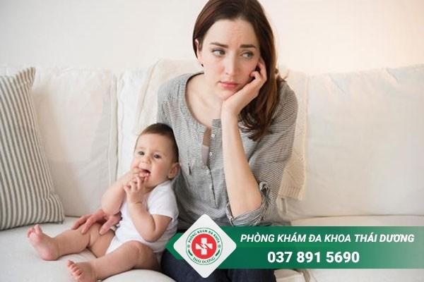 Rối loạn kinh nguyệt sau sinh mổ là hiện tượng thường gặp ở cac chị em