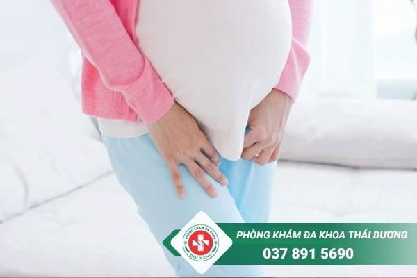 Viêm đường tiết niệu ở bà bầu là tình trạng rất thường gặp